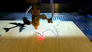 Porque você precisa de uma máquina de corte e gravação a laser