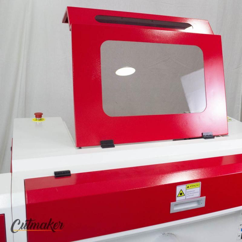 Máquina de corte e gravação a laser