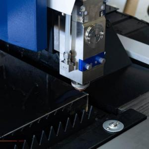 Maquina de corte de metal a laser